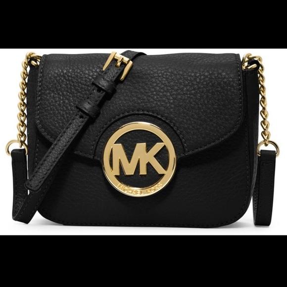 0467042f206dfe Michael kors fulton logo crossbody black and gold.  M_5c3cf8151b329476eb7288f3
